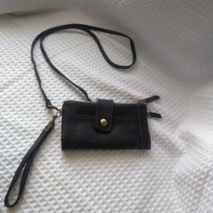 Relic wristlet with shoulder strap